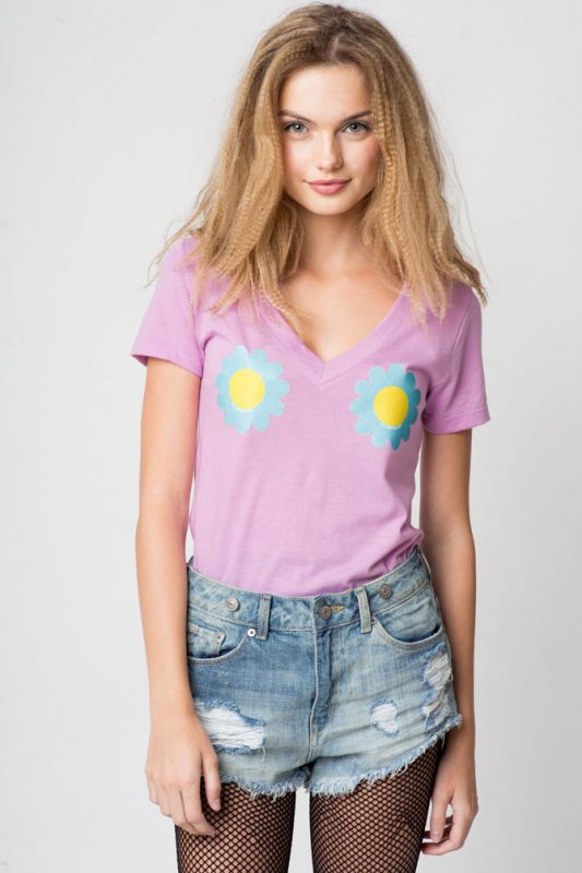 Daisies for Days V-neck Tee
